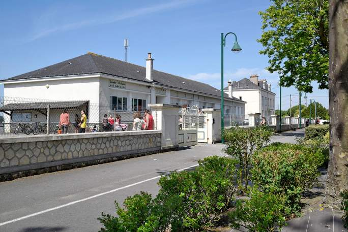 """École maternelle et Élémentaire - Groupe scolaire """"La Vallée du Lac"""""""